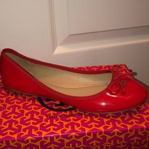 New Tory Burch red patent leather ballet flats 11